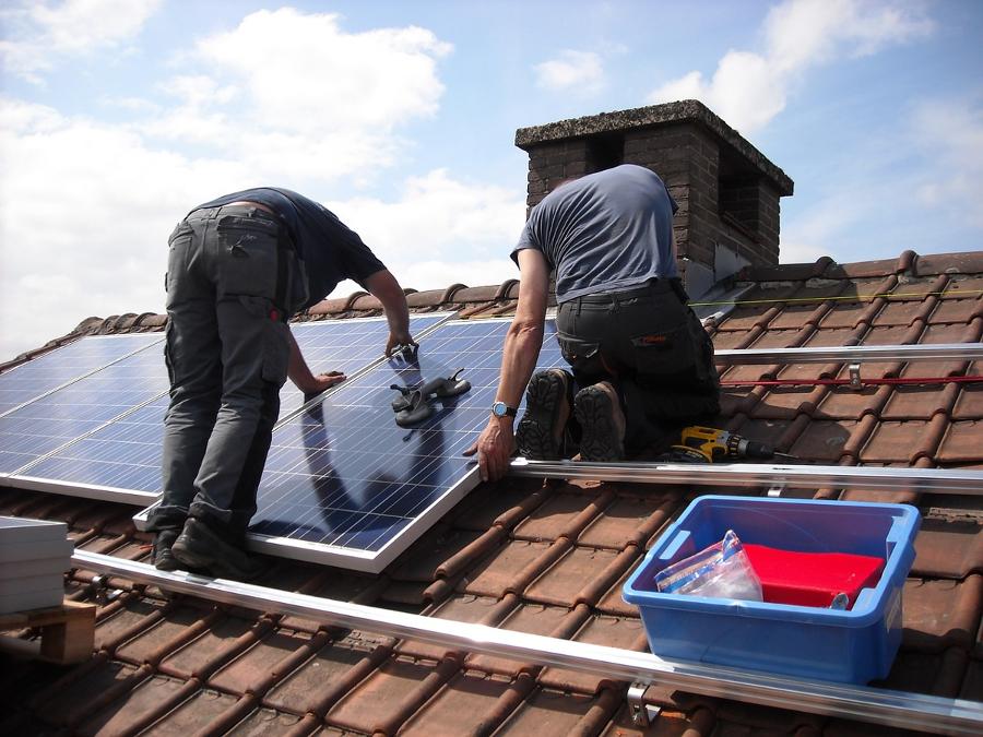 coûts d'installations éoliennes, photovoltaïques et aérovoltaïque chez soi